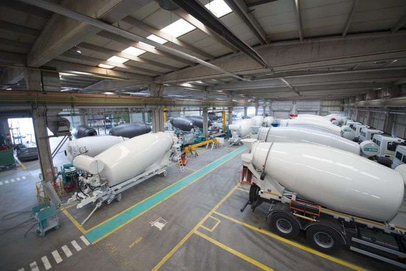 Production of concrete truck mixers 06