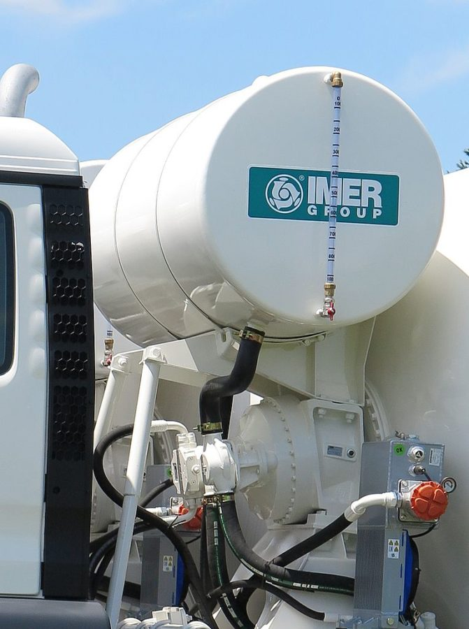 Water tank of the IMER concrete truck mixer 01