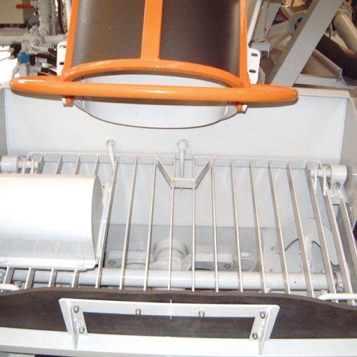 Vibrator on the hopper grid 01